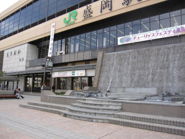 盛岡駅前滝の広場