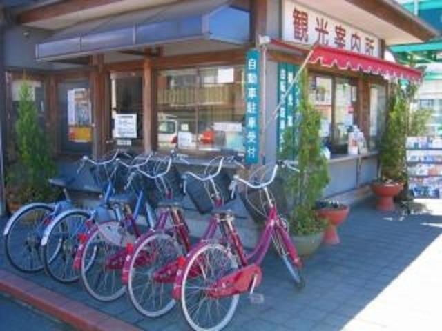 笠間駅前レンタサイクル事務所前